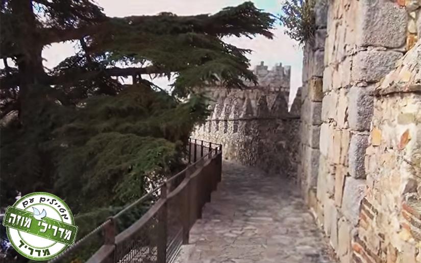 החומה המרשימה של אווילה